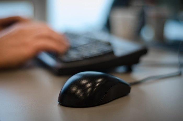 ... Hands Desk Office Working Medium